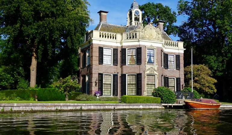 Another side of Amsterdam – Beach, Castles and Gardens